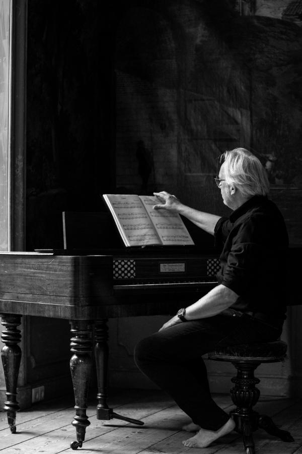 Ron Adelaar piano